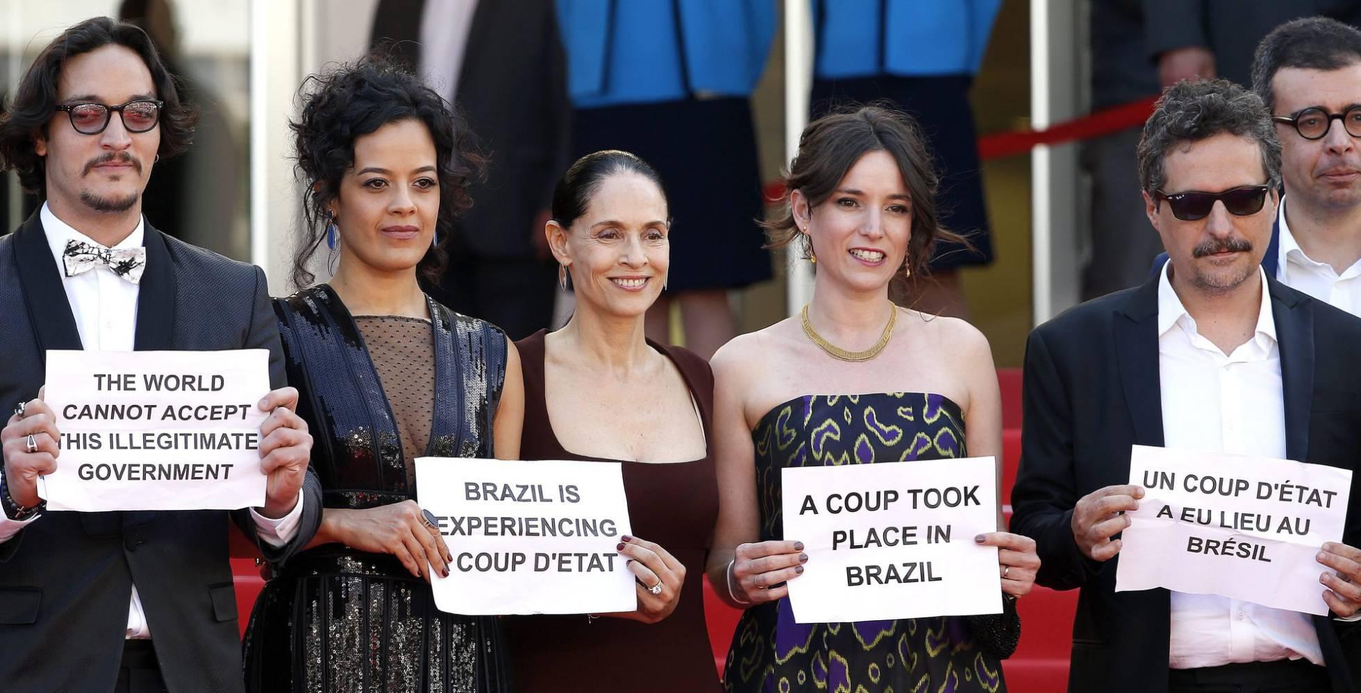"""Artistas protestam em Cannes contra """"golpe"""" no Brasil – Expresso AM"""