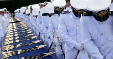 Marinha abre concurso para professores com salários de até R$ 9.585