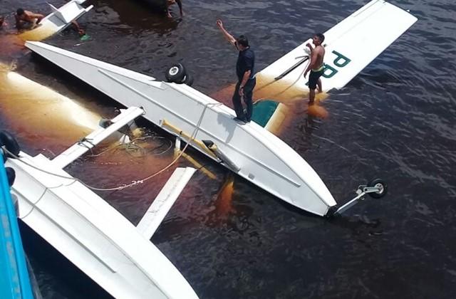 Turista morre em queda de avião do Greenpeace no rio Negro