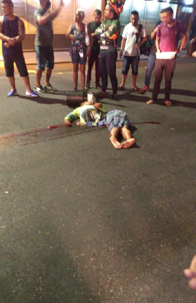 Imagens fortes! Flanelinha morre esmagado por ônibus no centro de Manaus ; Veja o vídeo